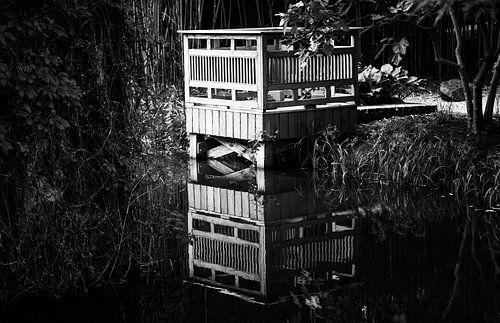 Tuinhuisje aan het water van Leo Langen
