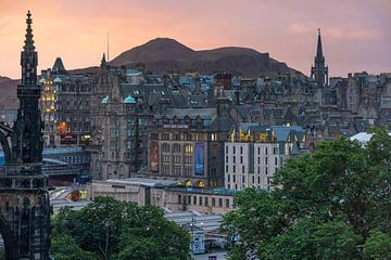 Edinburgh bei Sonnenaufgang von Thea.Photo