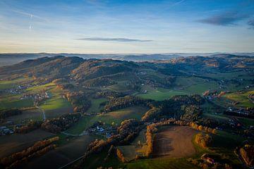Verträumte Landschaft mit Wolken in Bayern