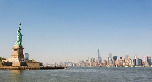 New York City skyline & Vrijheidsbeeld von Robert Lambrix