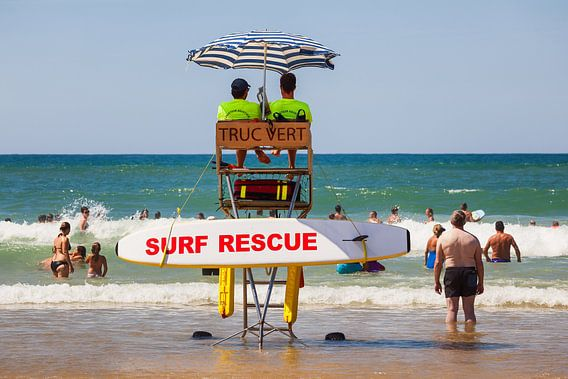 Reddingsbrigade op het strand van Cap Ferret in Frankrijk