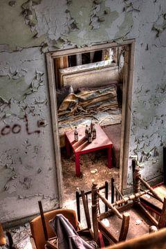 Een verlaten gebouw van Nella van Zalk