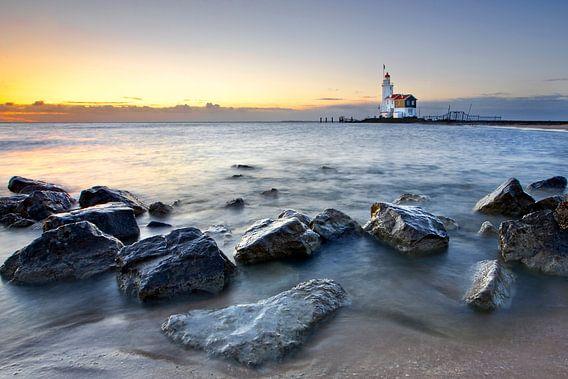 Vuurtoren Marken, Nederland van Peter Bolman