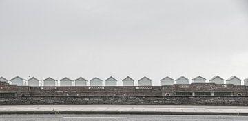 eastbourne strandhuisjes van Jan van den Heuij
