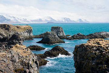Felsformationen vor der Küste von Snaefellsnes in Island