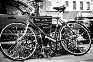 Fahrrad auf Schloss (New York City) von Marcel Kerdijk