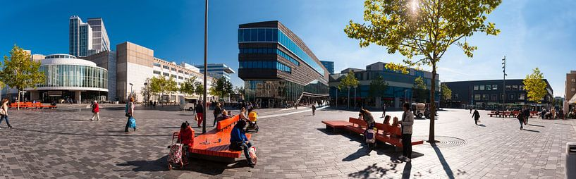 Stadhuisplein Almere van Brian Morgan