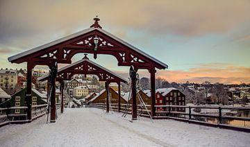 Oude Stadsbrug in Trondheim, Noorwegen van Adelheid Smitt