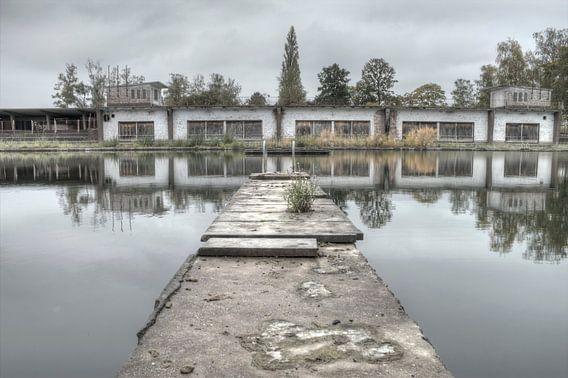 Zwembad B  van Nick Raijmakers