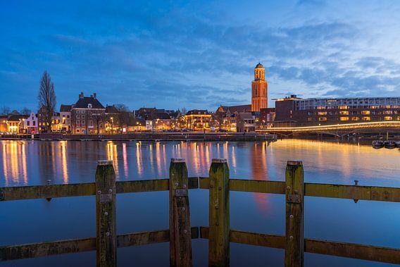 De skyline van Zwolle tijdens Blue hour