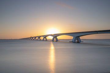 Seebrücke Sunrise von Bob Vandenberg