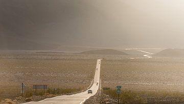 Death Valley - highway CA-190 van Keesnan Dogger Fotografie