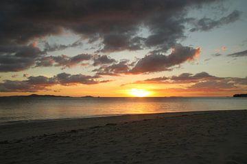 Zonsondergang in Fiji van Chris Snoek