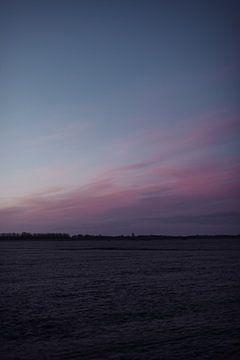 Eiskalte Kälte in einer Winterlandschaft in Friesland von Holly Klein Oonk