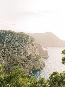 Zonsondergang op Ibiza met uitzicht op de zee van Youri Claessens