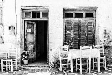 Grieks terras in Zwart Wit van Mario Calma