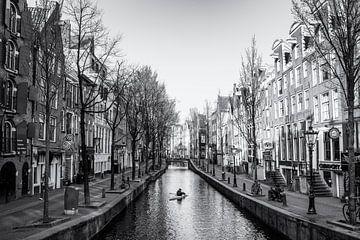 Kanufahren auf den Grachten von Amsterdam. von Friso Kooijman
