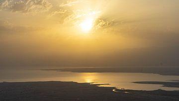 Zonsopkomst over de Dode Zee, Israël van Jessica Lokker