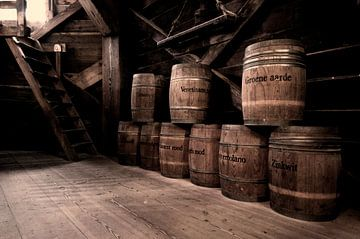 Vaten verfpigment in oude molen