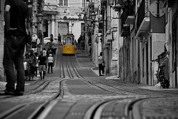 Tram 28 Lissabon van Evy De Wit