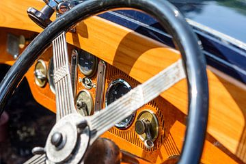 Detail auf einem Panhard &amp von 1932; Armaturenbrett von Levassor. von Sjoerd van der Wal