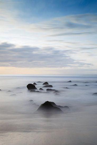 Boven de zee