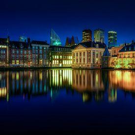 Reflexionen über den Hofvijver in Den Haag von Roy Poots
