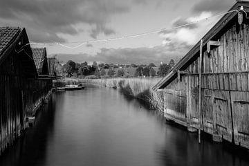 Bootshäuser am Staffelsee van Andreas Stach