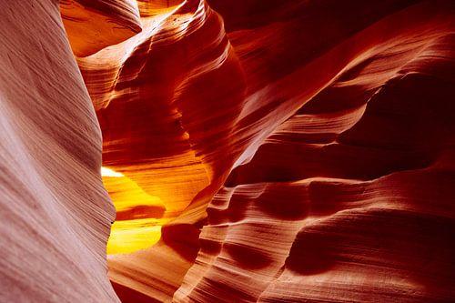 Lower Antelope Canyon. van