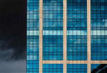 Rechteck mit Gewitterwolken von Werner Lerooy