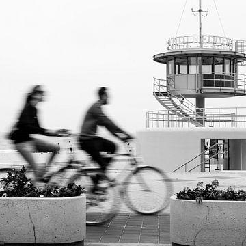 Faire du vélo sur la digue sur Frédéric Goetinck-Moret