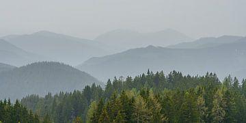 """Panorama """"Bergen in de mist"""" van Coen Weesjes"""