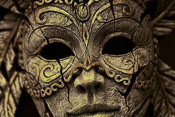 Wooden mask van Rudy & Gisela Schlechter