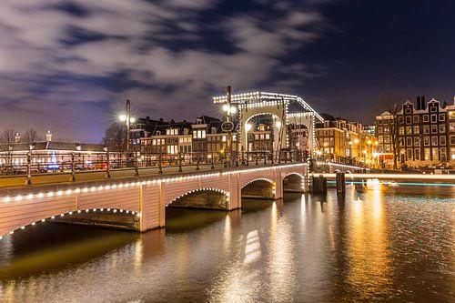 Magere brug, Amsterdam van Tom Roeleveld