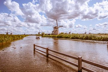 Kinderdijk Holland. van Brian Morgan
