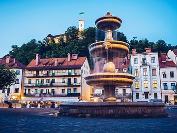 Ljubljana - Oude Stad bij het Blauwe Uur van Alexander Voss