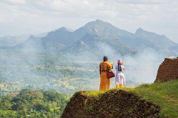 Moeder en dochter bij tempelcomplex Sigiriya in Sri Lanka