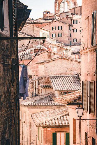 Doorkijkje stadscentrum Siena