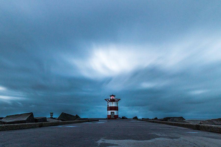 Schitterend Hollands natuurschoon, panoramisch zeeaanzicht en havenhoofd Scheveningen.