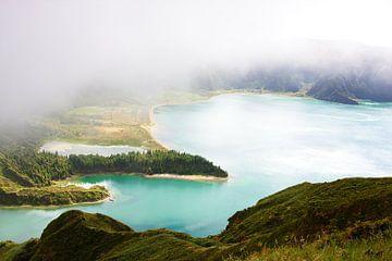 Bewolkt Lagoa do Fogo van Jan Brons