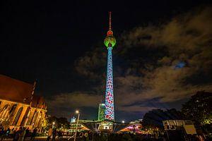 Tour de télévision de Berlin - sous un éclairage particulier