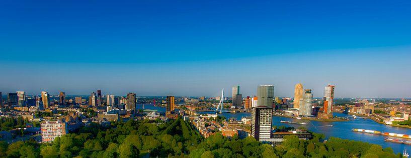 Skyline Rotterdam bleu van Maurice B Kloots      www.Fototrends.nl