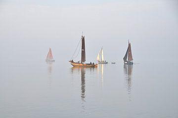 Zeilende visserschepen van Koos Haantjes