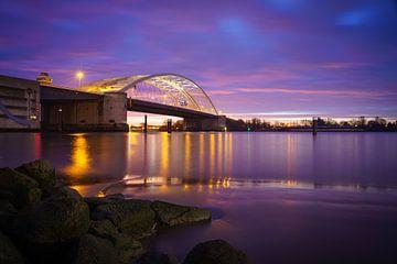 Le pont Van Brienenoord illuminé