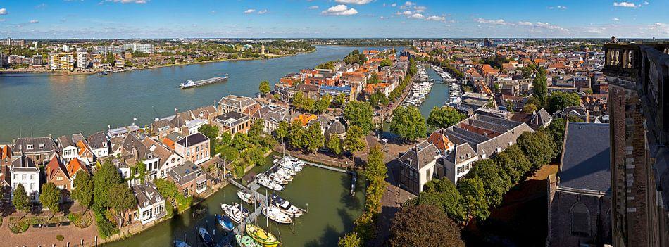 Oude centrum Dordrecht gezien vanaf Grote Kerk