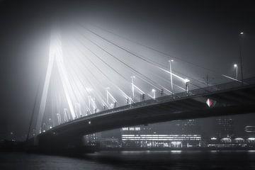 Erasmusbrug in de mist - ZW van Niels Dam