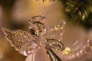 ange dans l'arbre sur Tania Perneel