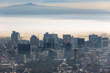 Kapstadt im Nebel von Dennis Eckert