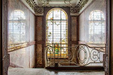 Trappenhuis met glas in lood van Tim Vlielander