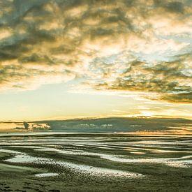 Zonsondergang op Noordsvaarder bij West-Terschelling van Sven Wildschut